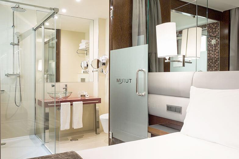 Parois de douche PROFILTEK dans l'Hotel Turim Terreiro do Paço