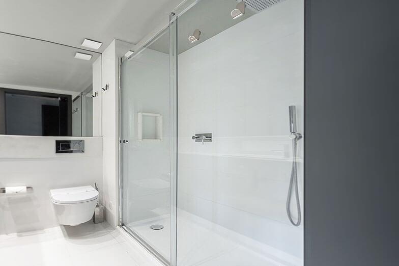 Divisórias de ducha PROFILTEK em Vitoria Stone Hotel