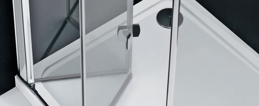 Porte de douche: choisir la fonctionnalité d'ouverture