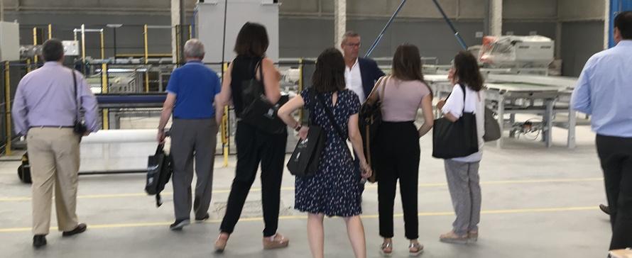 A PROFILTEK apresenta a sua nova fábrica de bases de duche aos meios de comunicação